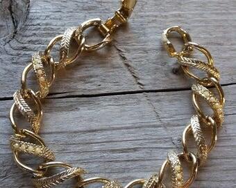 Signed Goldette NY Vintage Bracelet-Vintage Goldette NY Bracelet-Goldette NY Curb Link Bracelet-Goldette Gold and Pearl Bracelet