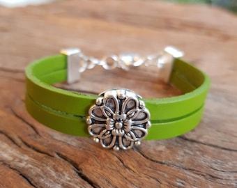 Leather bracelet; Flower bracelet; Adjustable bracelet; Girl's bracelet; Green leather; Silver bracelet; Double strand bracelet