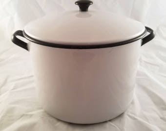 Vollrath Ware Enamelware Pot - Black and White Stockpot - Large Vintage Cookware Pan with Lid - Country Farmhouse Shabby Chic Decor