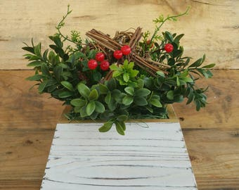 Boxwood, berries and grapevine spheres