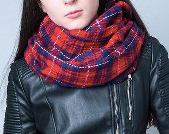 Plaid infinity scarf, Tartan tube scarf, snood, loop scarf, tube scarf, women's tube scarf, ladies scarf, red plaid scarf, red tartan scarf