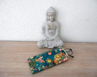 Japanese fabric glasses case blooms