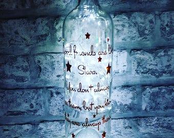 Light Up Wine Bottle With Best Friends Like Stars Quote. Message on a bottle, fairy lights bottle, wine bottle vinyl wall quote