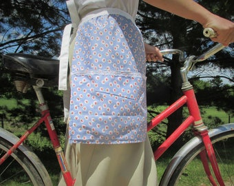 Summer Delight- blue and white half apron for ladies and girls, retro half apron, retro apron, vintage apron, feedsack apron, vintage lace