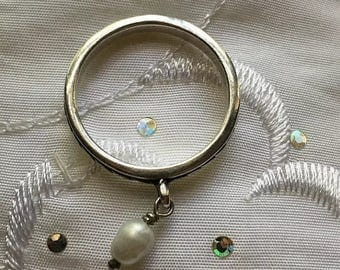 ON SALE Sterling Silver Pearl Band Dangle Ring Size 8