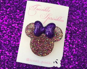 Minnie Mouse resin brooch