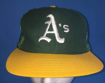 Vintage Oakland Athletics trucker snapback hat 80s adjustable twins