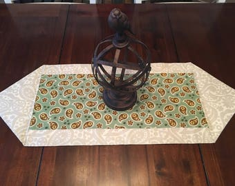 Green and ivory paisley table runner