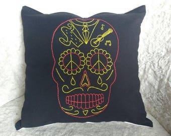 """Embroidered cushion hand """"Calavera"""" Mexican skull - dias de los muertos"""