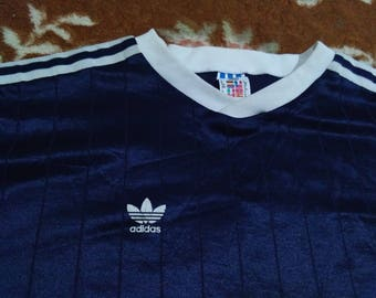 vintage ADIDAD JERSEY t dhirt size M made in usa