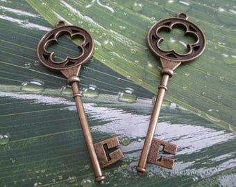 2 x large key charm bronze 7.5 cm