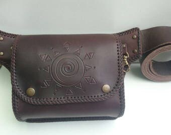 Handmade leather fanny. Genuine leather-oiled veal.