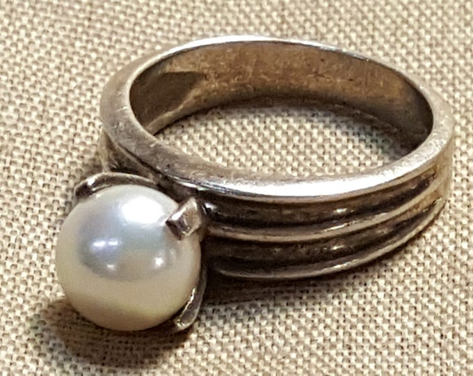 Featured listing image: Sterling Silver Ring Cultured Pearl Solitaire Prong Set Engagement Ring US size 6