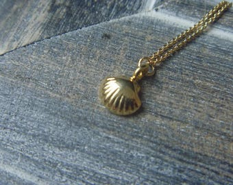 Necklace shell 18 k gold over 925 sterling