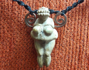 Venus pendant by Willendorf in Tejo