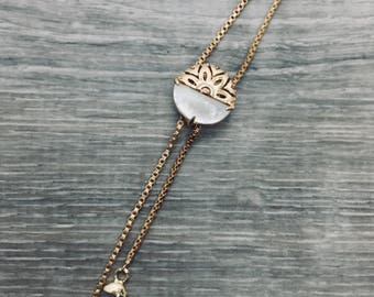Clothing gift, Wife gift, Bolo necklace, Chain lariat necklace with stone, Bolo tie necklace, Knot necklace, Minimal, Long bolo necklace