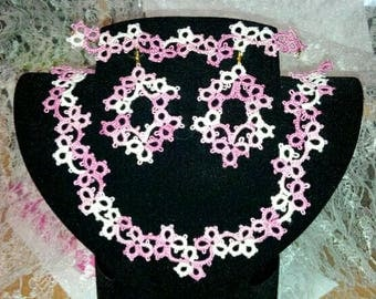 Set of tatting necklace, bracelet and earrings