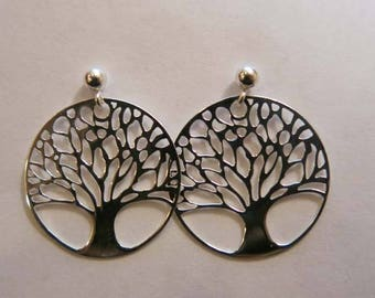 Silver tree pattern earrings