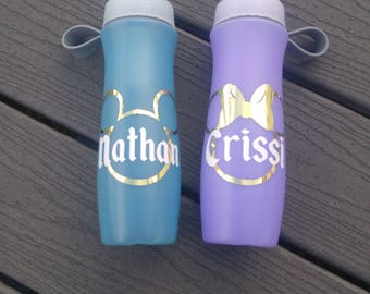 Disney water bottle decal in Mickey or Minnie Mouse with Name personalization