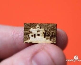 Wooden Haunted House Charm