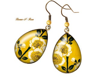 Flower cabochon bronze pendant lemon drop earrings