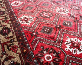 Medali - Vintage Persian Carpet