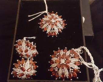 Red garnet and White topaz Jewelry set