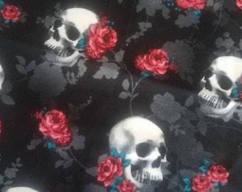 Skull & flowers book sleeve  papa size