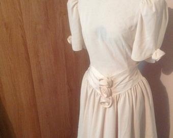 Vintage 1980s wedding dress, short wedding dress, tea length wedding dress, cream wedding dress, size 8 wedding dress, rockabilly dress