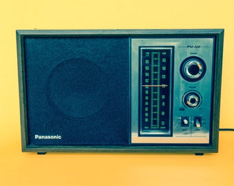 Retro Panasonic RE-6286 AM/FM Radio 70's