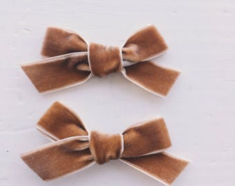Rachel Bow - Caramel (headband or clip)