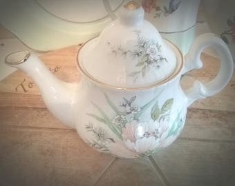 Pretty Chelson China Teapot, Tea for One