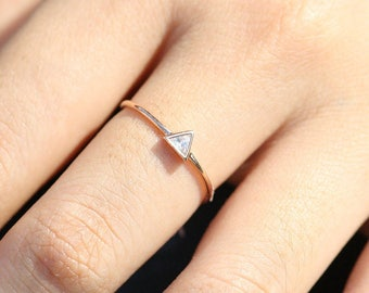 Triangle Gold with Diamond Ring, Triangle engagement ring, Rose Gold Engagement Ring, Triangle Diamond Ring, ROSE GOLD Triangle Ring