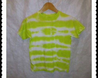 Boy's size M/M/M tie dyed T-shirt. 100% cotton crew neck.  Nice striped colors of lime green and white.