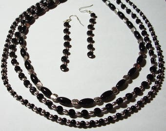 Black and silver 3-strand beaded necklace with matching earrings - Necklace and earrings set - Multi-strand necklace