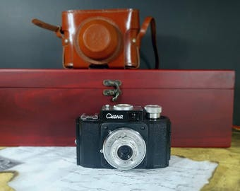 Smena  - Vintage camera - Travel camera -  Working camera - Viewfinder camera -  USSR photo camera -  Leather case.