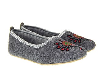 Polish Felted Slippers, Folk-Inspired Handmade Comfortable Carpet Slippers, Womens Shoes