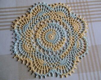 """""""Fig"""" round crochet doily"""
