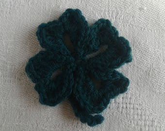 dark green crochet 4 leaf clover
