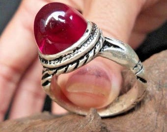 Antique large Ruby with 2 hands holding the stone Sterling Silver Ring 1900s