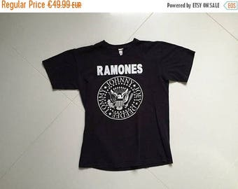 LAST DAY 35% OFF The Ramones T shirt Made in Usa Hey Ho Lets Go Sz 47x64cm