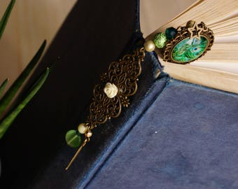 Bookmark feather of Peacock