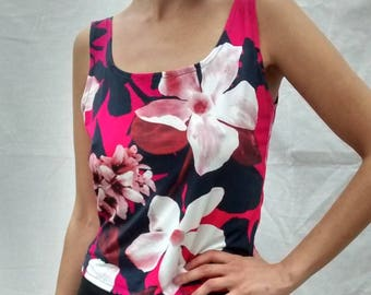 Tango top - scoop neck - unique floral pattern in soft Lycra - UK size 14