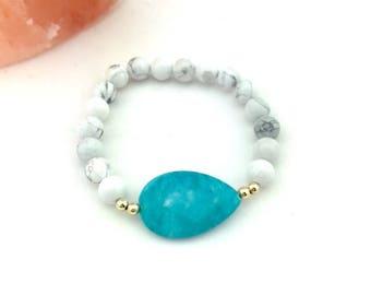 Amazonite and White Howlite beaded bracelet
