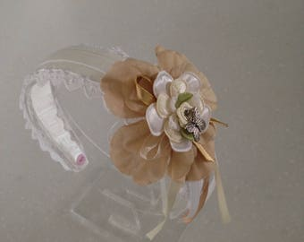 Hairband with lace and flower