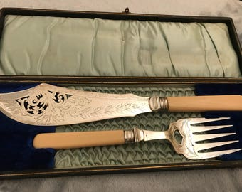 1920s Boxed silver plate fish servers with hallmarked silver cuff