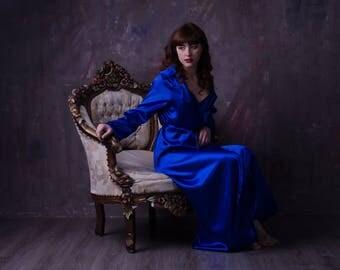 robe blue satin