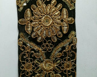 lace embroidered motifs Golden black bottom for customization 8cm