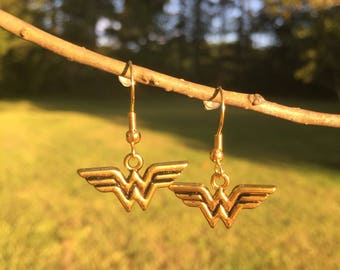 Golden wonder women earrings