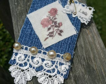 Vintage Textile Pin Shabby Chic Brooch OOAK